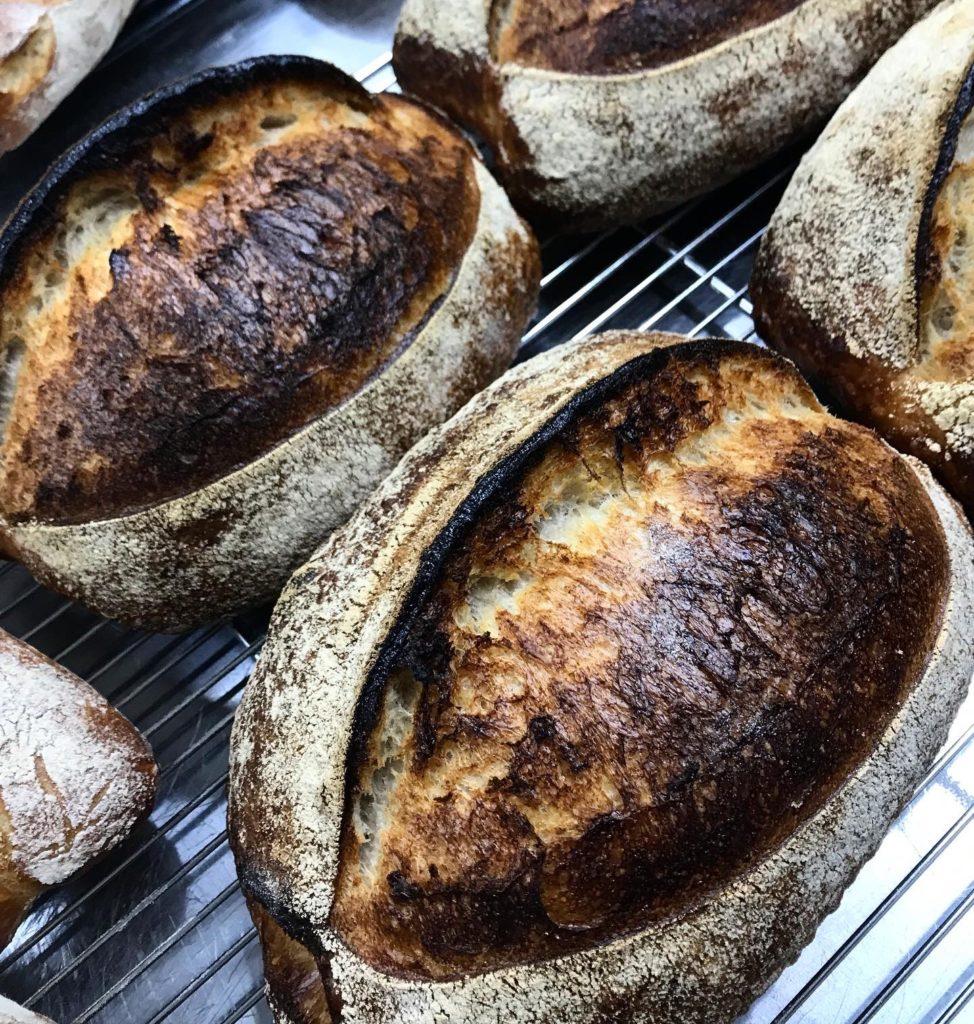 Sourdough bread サワードウブレッド