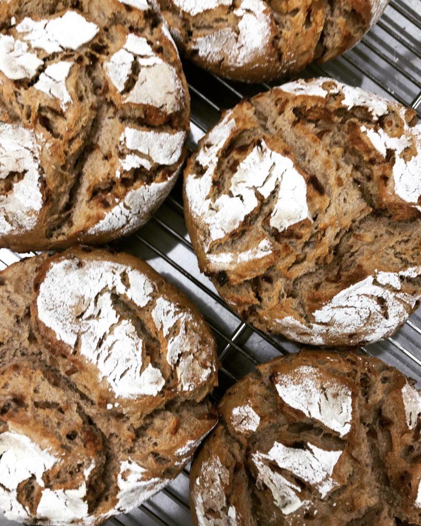 Fenchel-Zwiebel brot フェンネルとオニオンのライ麦パン