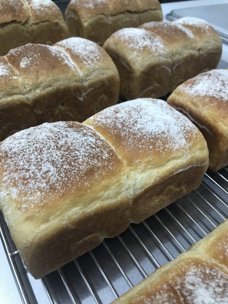 Soy honey bread & Barley milk bread 豆乳はちみつパンと大麦ミルクパン