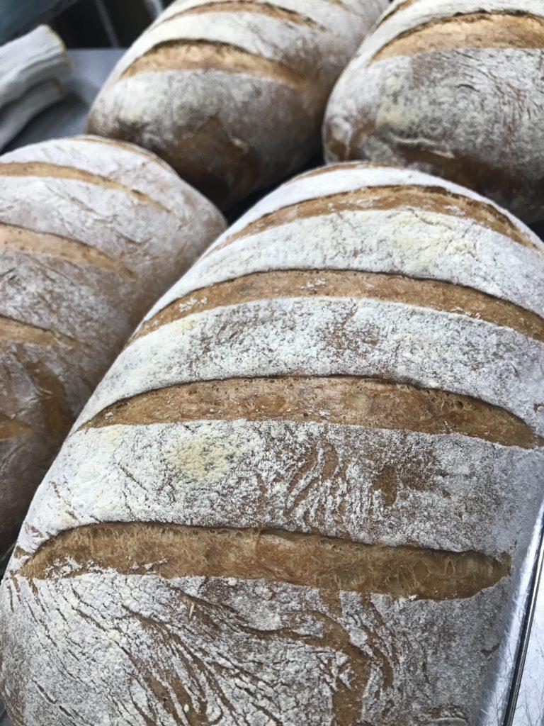 Hearthbread シーフードマーケット共同開発のパン