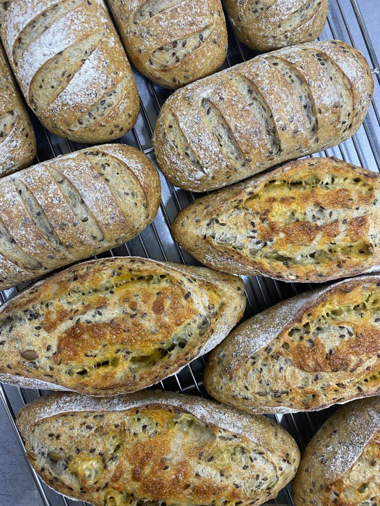Rye25 アマニとパンプキンシードと2種のチーズ