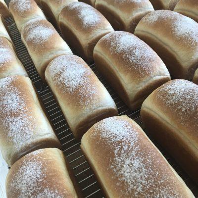 Bread 由木ブレッド